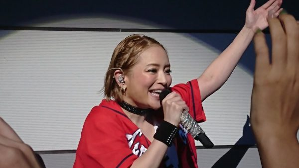 浜崎あゆみ カープ女子 デブ
