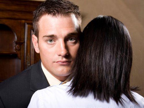 結婚詐欺師
